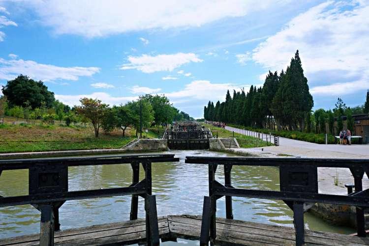 9 locks of Fonserannes - Visit Occitanie
