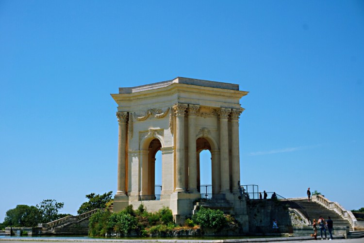 Neoclassic water fountain - Visit Occitanie