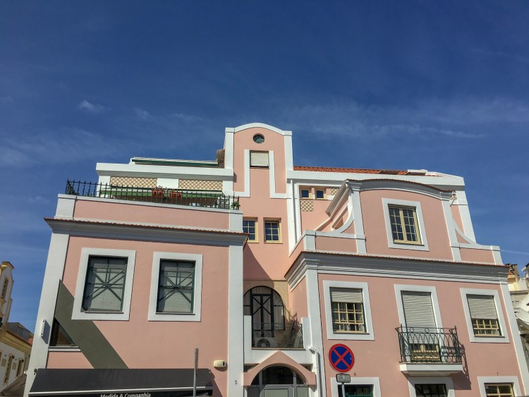 Pink pastel coloured building - Things to do in Aveiro