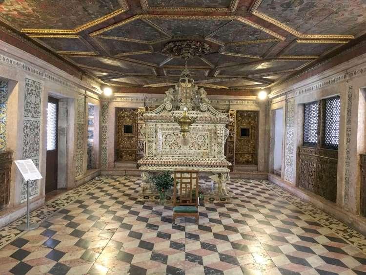 Santa Joana's tomb - Things to do in Aveiro