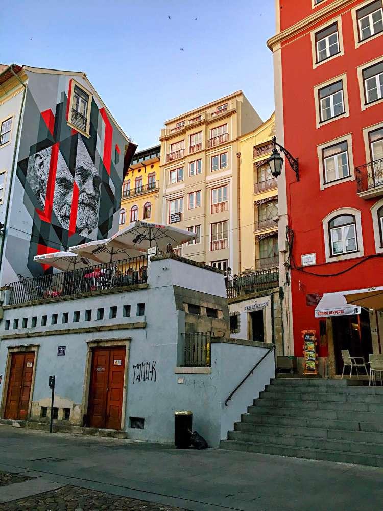 Mural on a building facade in Coimbra - One day in Coimbra