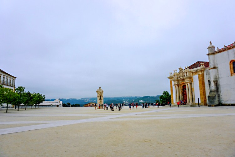 Coimbra University's courtyard - One day in Coimbra