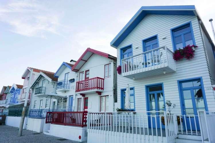 Paste coloured fishermen houses - Things to do in Aveiro