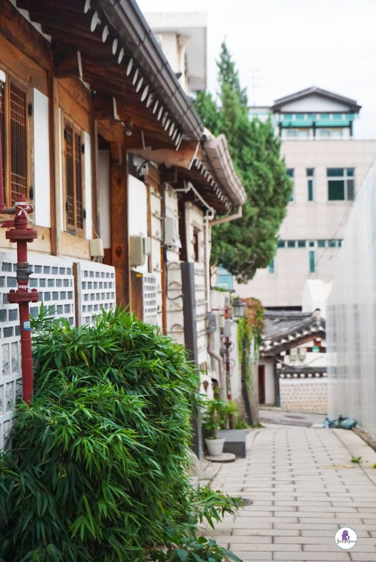 Traditional Village - Hanok Bukchon Village. Three days in Seoul is the ideal amount of time to explore the modern yet traditional city. This Seoul 3 day itinerary explores all the things to do. #Seoul #SouthKorea #SeoulItinerary