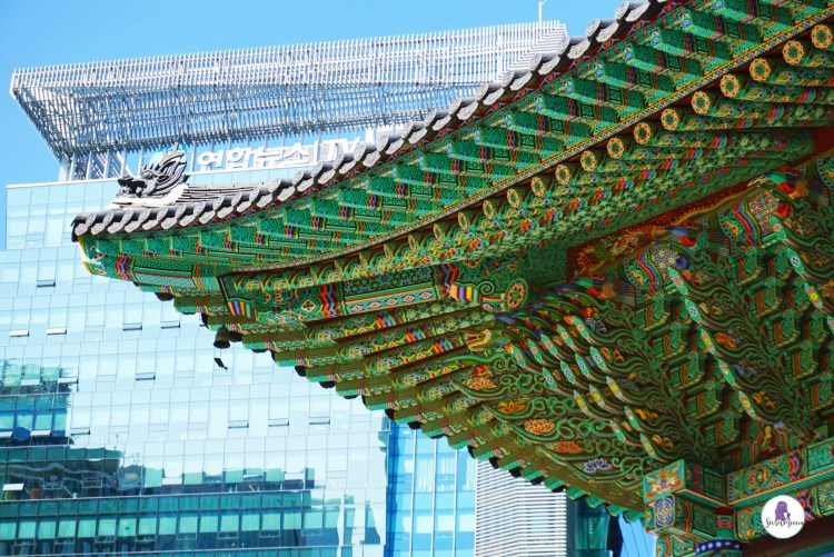 Three days in Seoul is the ideal amount of time to explore the modern yet traditional city. This Seoul 3 day itinerary explores all the things to do. #Seoul #SouthKorea #SeoulItinerary