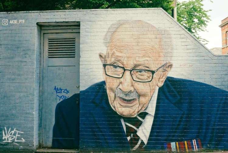 Mural of Captain Tom Moore painted by AkseP19