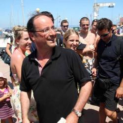 Hollandegate : François Hollande occupe un emploi fictif depuis 5 ans !!!