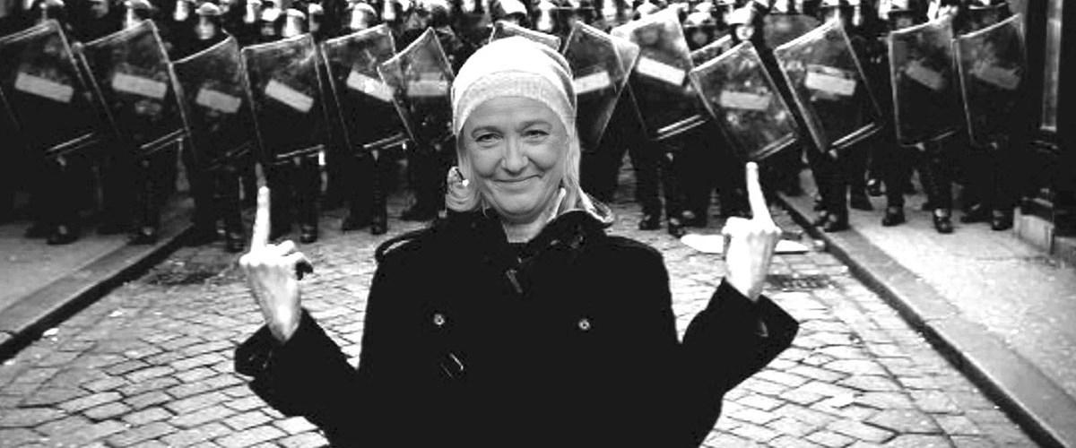"""Marine Le Pen : """"Je n'irai pas à la police car je n'ai pas eu de matraque dans le cul ! C'est du racisme anti-blanc"""""""