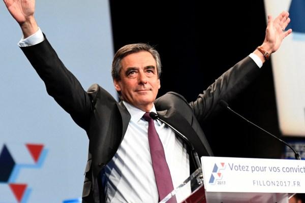 """Fillon n'abandonne pas : """"Je rends l'argent si vous votez quand même pour moi au second tour"""""""