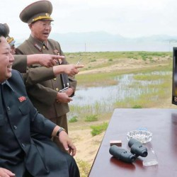 """""""Tous les matins on se fout de ta gueule avec mes généraux"""" - Kim Jong Un se moque de Trump sur Twitter"""