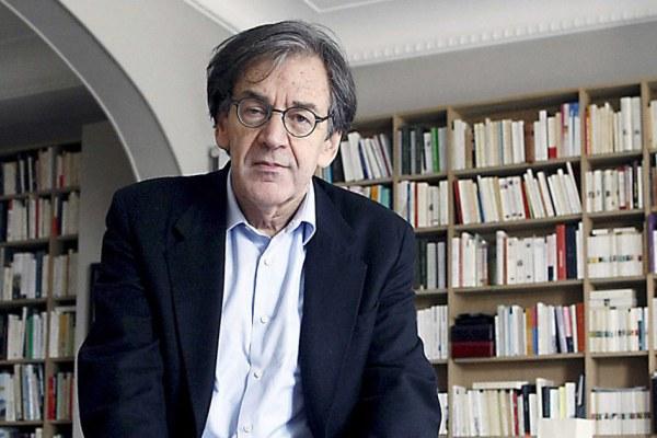 """Alain Finkielkraut : """"À ma mort, je léguerai tout mon patrimoine aux migrants"""""""