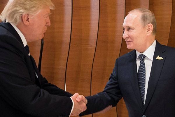 Affaire russe :  Pendant ses vacances, Trump aurait confié la gestion des USA à Poutine