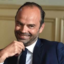 """Vol à 350.000 euros :  Edouard Philippe déçu d'avoir mangé """"pas mal de pâtes"""" pendant le trajet"""