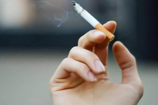 Les non-fumeurs reçoivent 6 jours de congés supplémentaires pour compenser les pauses clope de leurs collègues