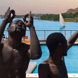 Spa, piscine, cinéma ... découvrez le confort scandaleux des migrants à bord de l'Aquarius