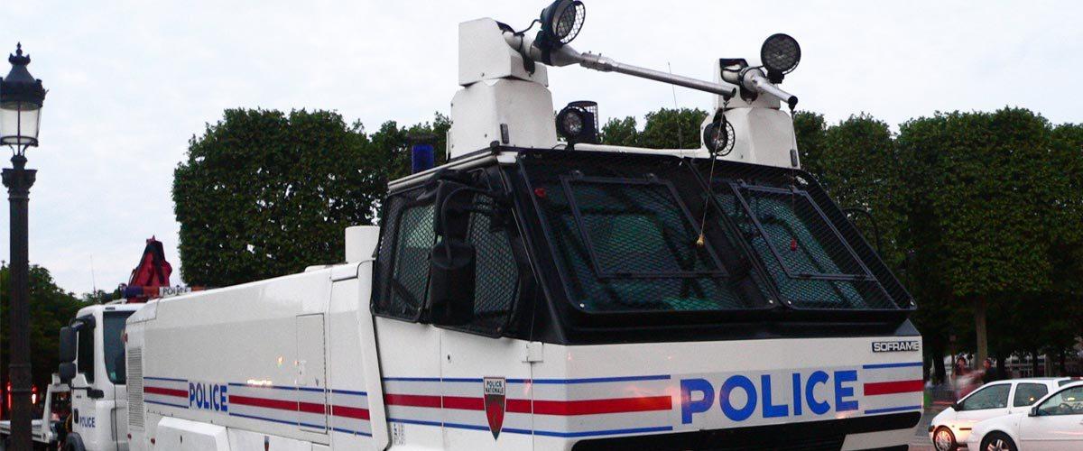 1er mai à Paris: les CRS ont bien utilisé de l'acide et du glyphosate dans leurs canons à eau