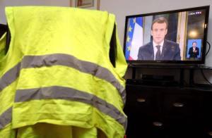 Un gilet jaune et du matériel pour manifester retrouvés au domicile de Chérif Chekkat