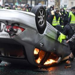 Gilets Jaunes : une prime pour les casseurs qui ont mis hors d'usage des véhicules polluants