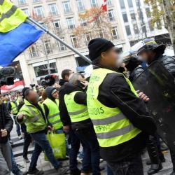 Bilan du 8 Décembre : la manifestation des CRS et journalistes très bien encadrée par les Gilets Jaunes