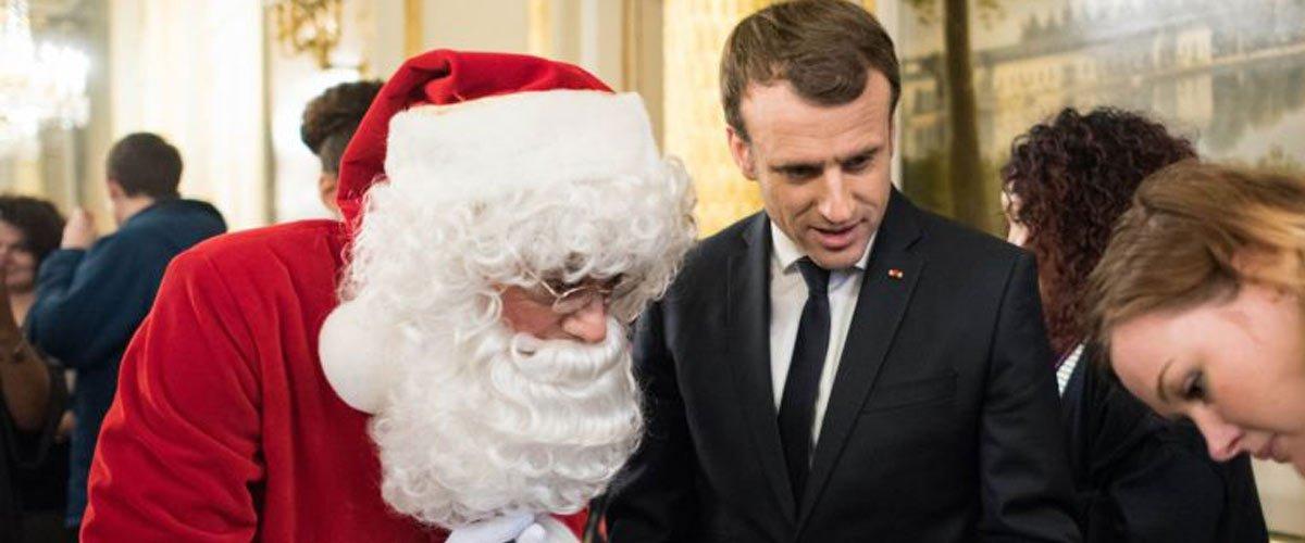 Macron demande au Père Noël de donner plus de cadeaux aux Gilets Jaunes