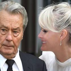 Lætitia Hallyday va épouser Alain Delon, « car on ne sait jamais ! »