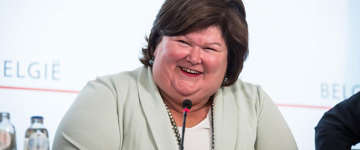 """La ministre belge de la santé trouve le Père Noël trop gros : """"Un mauvais exemple pour les enfants"""""""
