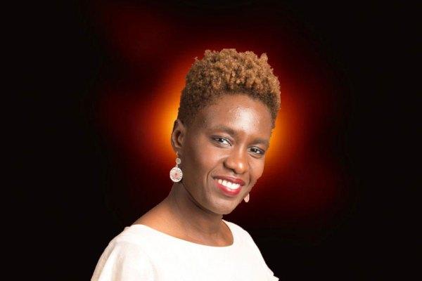 """""""Et pourquoi pas trou blanc ?"""" : Rokhaya Diallo dénonce le racisme spatial …"""