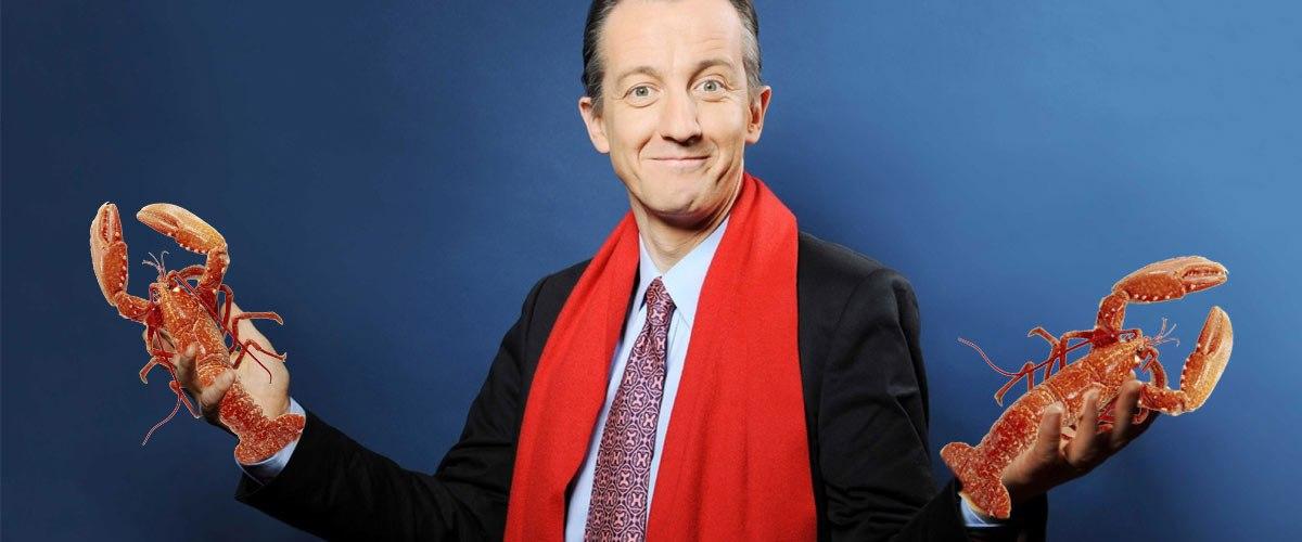L'écharpe rouge de Christophe Barbier teinte avec de la bisque de homard