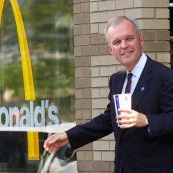 """""""On allait aussi au McDo"""" : François de Rugy payait le fast-food avec des fonds publics"""