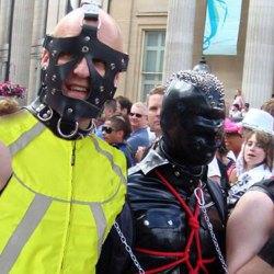 Les sadomasochistes manifestent contre la loi anti-fessée