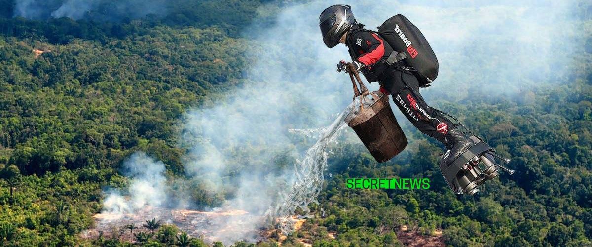 Franky Zapata largue des seaux d'eau sur les incendies en Amazonie