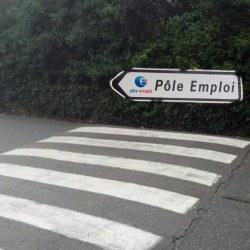 """""""Le chômage baisse depuis l'augmentation des passages piétons"""" se réjouit Macron"""