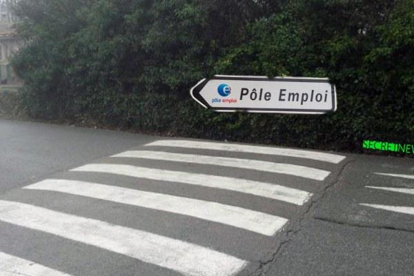 «Le chômage baisse depuis l'augmentation des passages piétons» se réjouit Macron