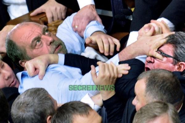 Violente bagarre entre Mélenchon et Dupond-Moretti au tribunal
