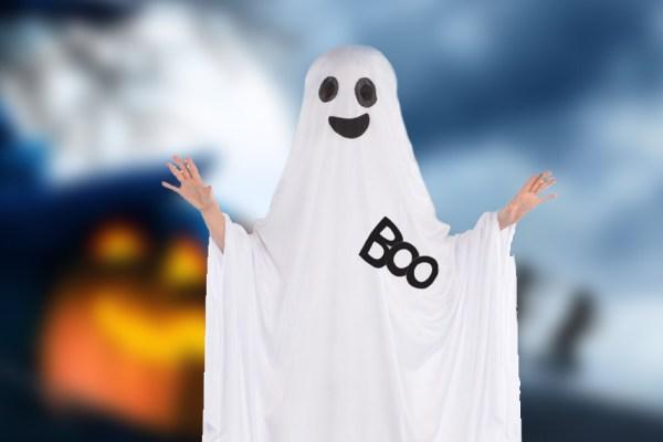 Considéré comme un voile intégral, le déguisement de fantôme interdit à Halloween