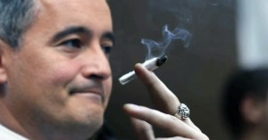 """Darmanin : """"Je fumais jusqu'à 10 joints par jour, j'ai arrêté grâce à l'alcool"""""""