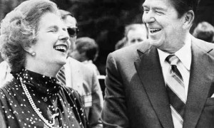 Margaret Thatcher y Ronald Reagan. Foto de AP Photo/File