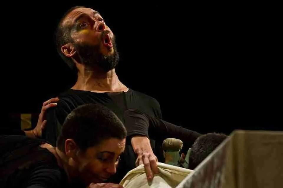 """Raúl Cortés (Trasto Teatro): """"Aprendí, de forma prematura, que la vida es una conquista muy cara"""""""