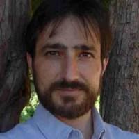 """Juan José Castro: """"Todo poeta debe tentar sus límites"""""""