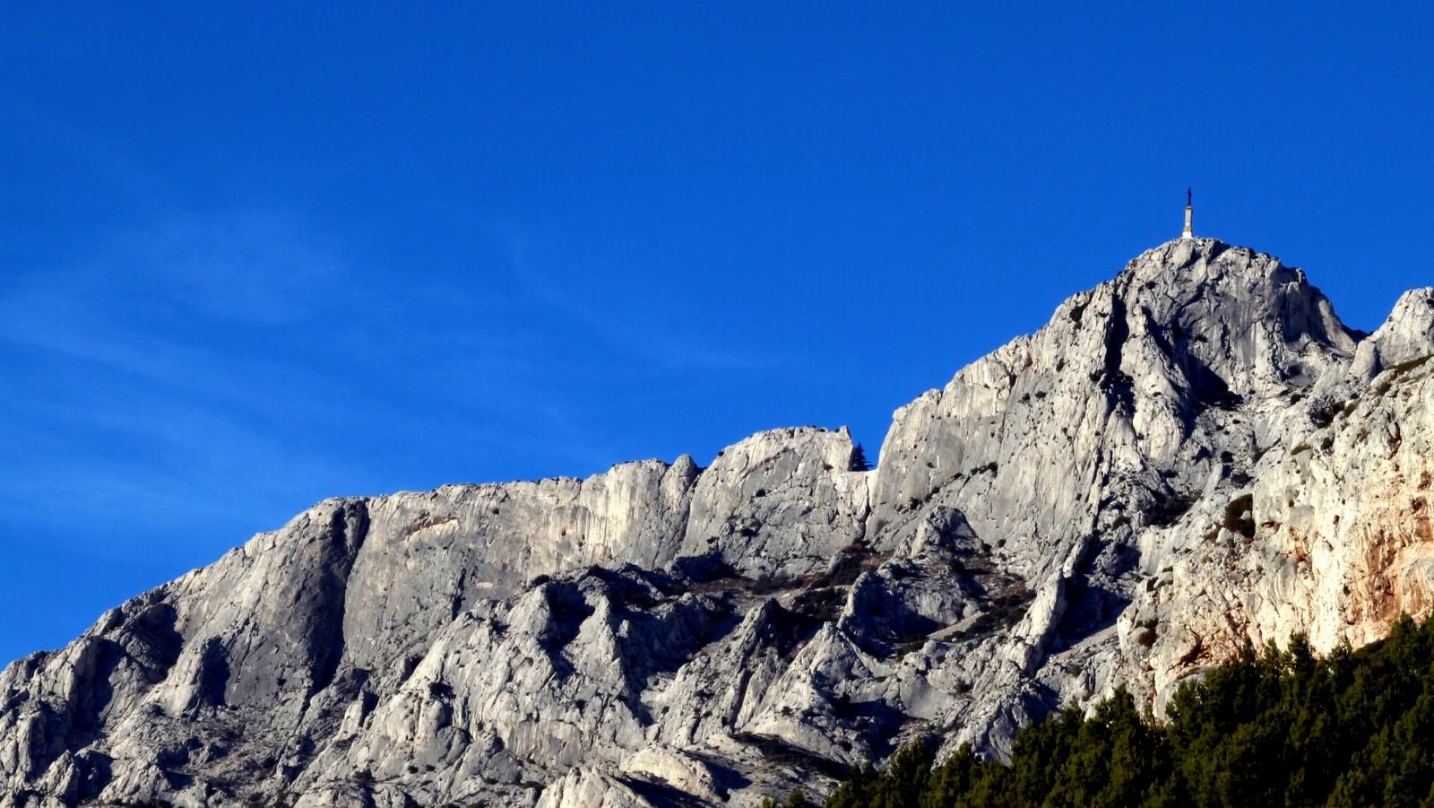 Paysage de la montagne Sainte-Victoire en Provence