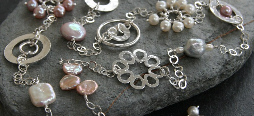 Julia-Foggin-Long-chain-necklace-with-hammered-silver-daisies-circles-and-pink-grey-white-freshwater-pearls