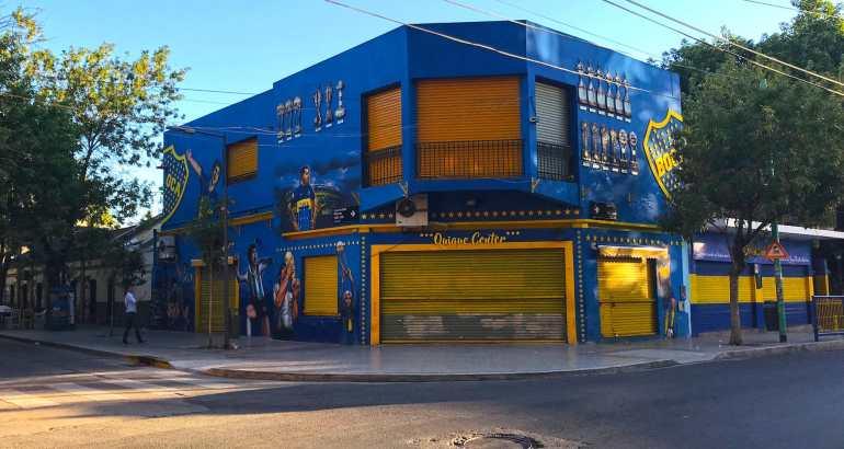 Color street in Boca