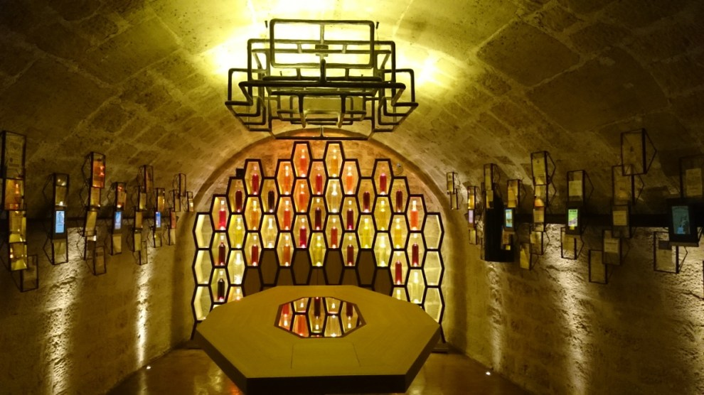 Caves du Louvre