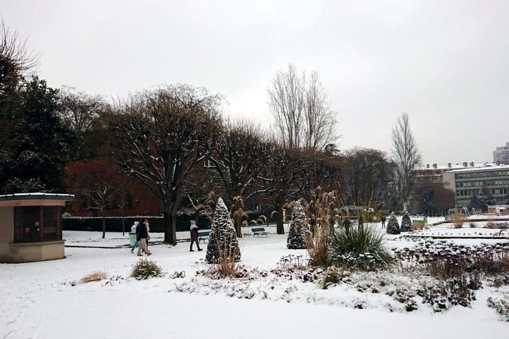 snow in Parc de Choisy