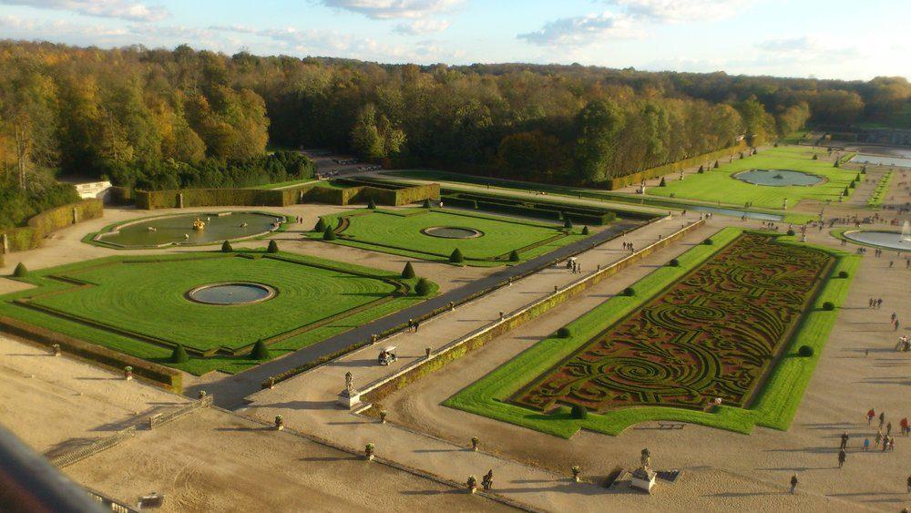 aerial view Vaux le Vicomte gardens
