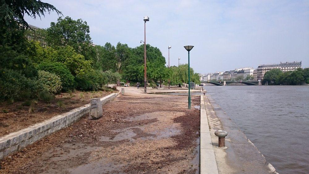 mud on the quay