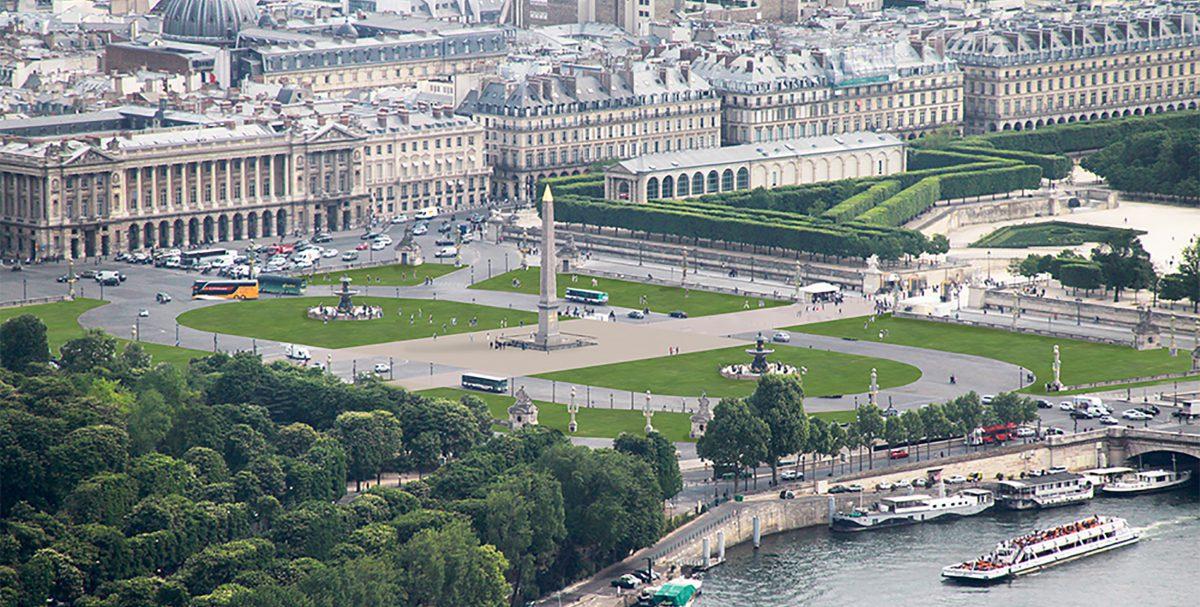 Artist rendering of Place de la Concorde with a lawn