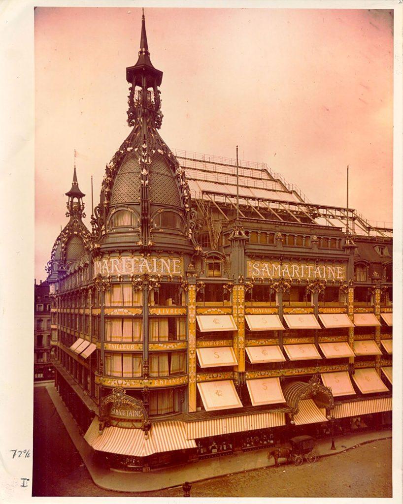 La Samaritaine's Art Nouveau domes in early 1900s