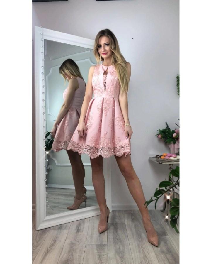 eee8720b9c Serin Sukienka Koronkowa Rozkloszowana Delikatny Róż Mini