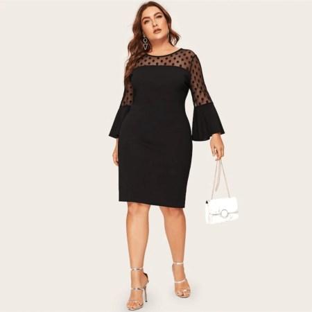 Sukienka Czarna w Kropki z Długim Rękawem Midi Plus Size